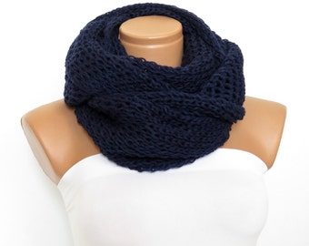 Knit scarf, infinity scarf, navy blue chunky Cowl scarf, winter accessories, unisex, circle scarf, cowl scarf, chunky scarves,