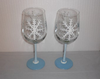 """Hand Painted """"Snowflakes"""" Wine Glass set of 2- White/Powder Blue/Winter"""