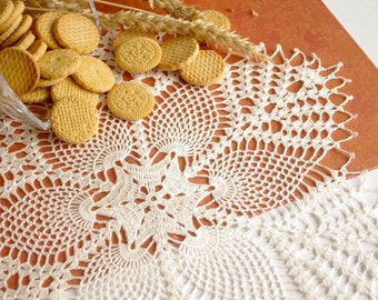 SALE 10% OFF: Large pineapple crochet doily Large lace doily White crochet doilies Table decor crochet Crochet decoration Vintage style 248