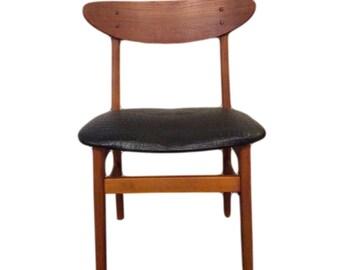 Mid Century Modern Teak Wingback Dining Chair made by DAN CRAFT