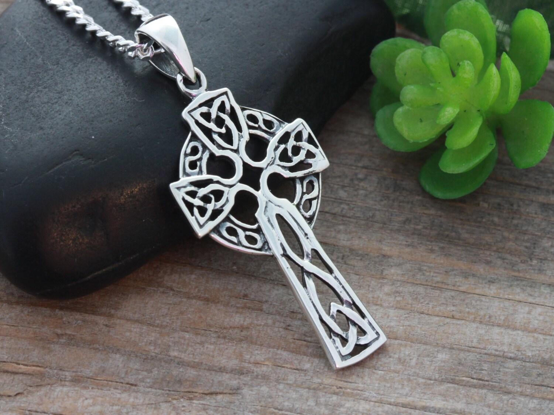 mens celtic cross necklace sterling silver celtic cross. Black Bedroom Furniture Sets. Home Design Ideas