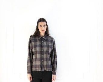 revived gray plaid vintage flannel shirt//  plaid 90s vintage pendleton grunge flannel button up shirt top// small medium