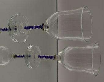 Hand Blown Wine Glass (set of 2)
