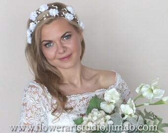 White or Ivory Bridal Flower Crown, White Bridal Hair Accessories, Bridal Headband, Feminine Floral Crown, Flower Girl Hair Wreath.