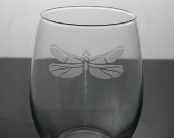 Dragonfly etched wine glasses, dragonfly wine glasses, dragonfly, etched wine glasses, customized wine glasses, stemless wine glass