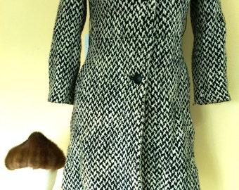 Stunning Posh Black & White Wool Coat with Black Fur Collar by Vintage Fashion Designer Lilli Ann 1960s