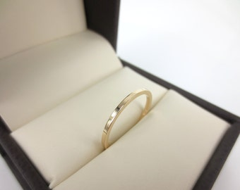 Solid 14k Yellow Gold wedding Band - 1.3mm