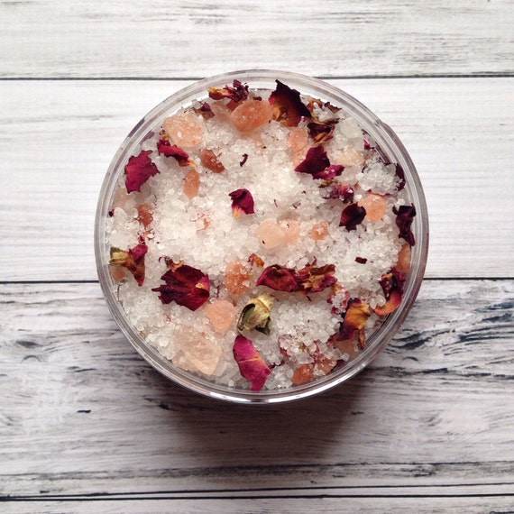 Pink Himalayan Rose Bath Salts, 8 oz. {Organic Ingredients} Hydrating and sweet aroma of Red roses. Muslin bag. Valentines Day.