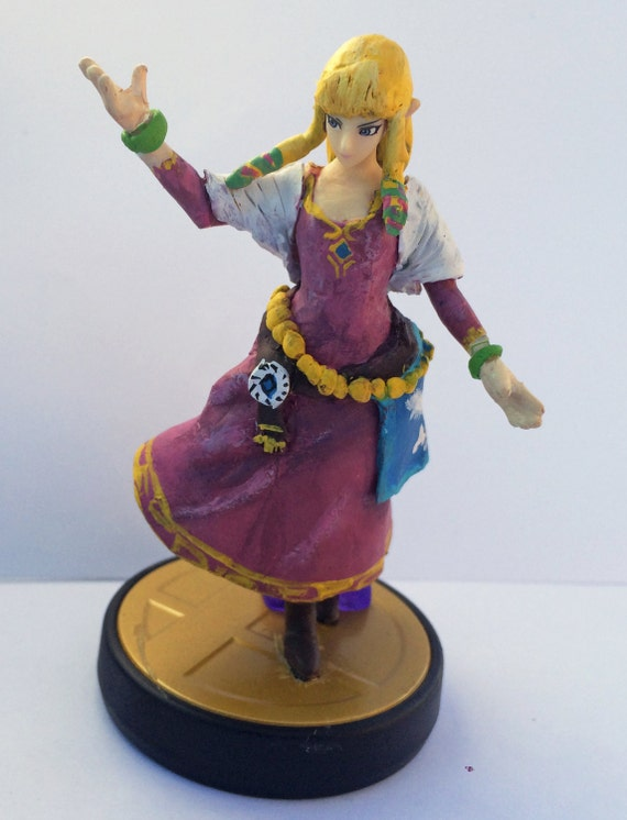 Items similar to Skyward Sword Zelda Amiibo W/ Custom Box on Etsy