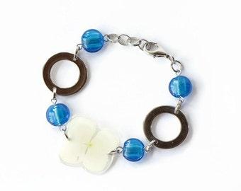 Pressed Flower Bracelet, Real Flower Bracelet, Hydrangea Flowers, Handmade Botanical Jewelry, Gift For Her, Charm Bracelet, Mothers day gift