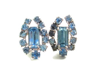 Vintage Horse Shoe Motif Blue Baguette Rhinestone Clip Earrings