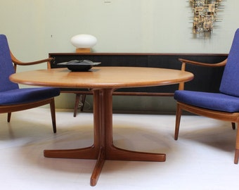 Round Teak Coffee Table by Karl-Erik Ekselius for Illums Bolighus: Vintage 1960s Danish Mid Century Modern Side Table with Pedestal Base