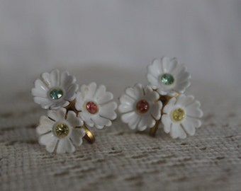 Vintage Screw-Back Earrings - Floral Earrings - Wedding