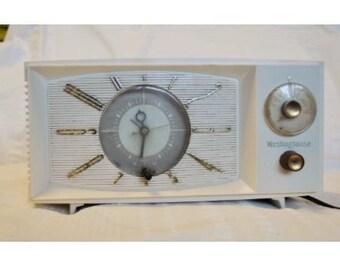Vintage 1950's Westinghouse Clock Radio