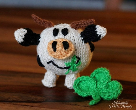 Knitting Pattern Cow Toy : Toy cow knitting pattern PDF for beginners and advanced