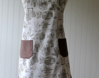 Women's Full Apron With Pockets in Taupe and Vintage Style Toile
