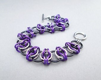 Purple Bracelet, Chainmaille Jewelry, Stainless Steel Jewelry, Toggle Bracelet, Chainmail Jewelry, Chain Mail Bracelet, Purple and Black