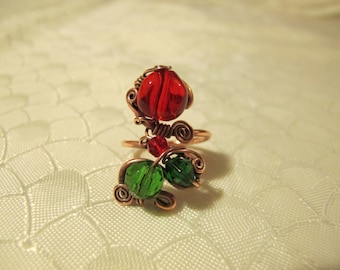 Red and Green Ring. Handmade Ring set with Red and Green Glass Beads. Copper Wire Wrapped Ring. Unique Design. Spiral wiring.