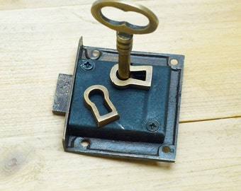Set Vintage Skeleton KEY & LOCK with Escutcheon Key Hole Plate Vintage Brass R152