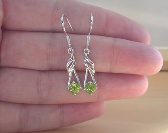 925 Peridot Earrings/Green Peridot Drop Earrings/Peridot Jewellery/Peridot Jewelry/Peridot Jewelery/August Birthstone/Peridot DangleEarings