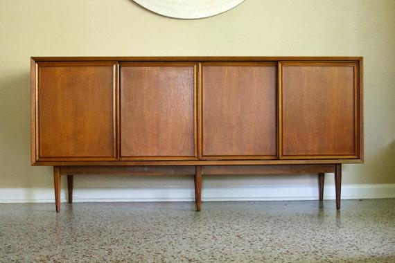 milieu du si cle moderne bahut cr dence buffet bahut vintage. Black Bedroom Furniture Sets. Home Design Ideas