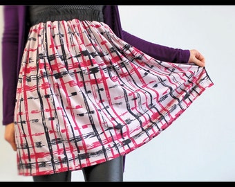 Low/Empire waist skirt, Elastic waist, Checked Screen-print