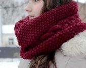 Burgundy Knit Infinity Scarf, Infnity Scarf, Marsala Infinity Scarf, Knit Scarf, Infinity Chunky Knit Scarf