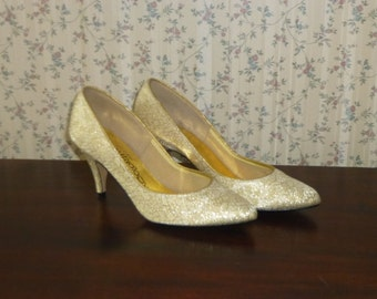 Vintage Coloriffics Cream Gold Heels Size 6 / 1990s Prom Wedding Special Occasion