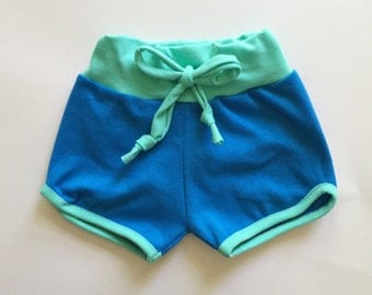 organic retro sporty shorts | blueberry-mint