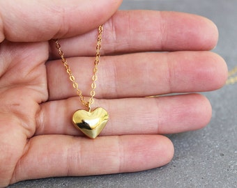 Gold heart necklace, Gold heart pendant necklace, Small heart necklace, Dainty gold necklace, heart jewelry
