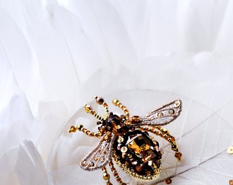 Small bee brooch in brown gold honey amber tones, bead embroidered designer's jewelry unique gift for her, fauna art ooak insect jewelry