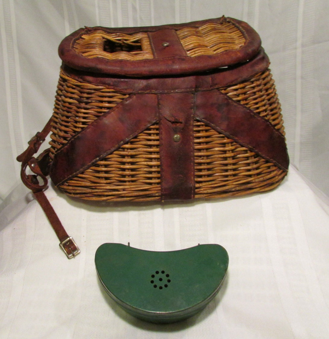 Antique fly fishing trout creel wicker and by anastasiasgarage for Fly fishing creel