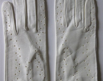 Perfect Vintage White Italian Leather Kid Skin Gloves Never Worn