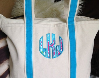 Personalized Lilly pulitzer zipper top canvas tote bag / Monogrammed Lilly Pulitzer Canvas Tote Bag great / Great gift for her