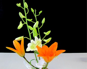 Cherry Ikebana vase - Display beautiful floral arrangements