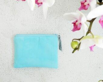 Small Clutch    01    Essentials range