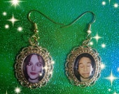 SALE! The X-Files Fox Mulder and Dana Scully Gold Grunge Earrings (silly on set candid pictures)