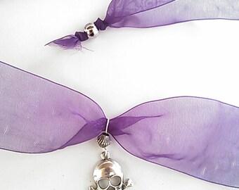 Skull ribbon choker necklace