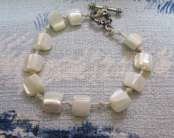 Vintage MOP squares bracelet with silver-tone clasp, hand knotted