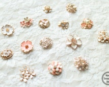 10 Assorted Mix Lot Pearl Rhinestone White Pink Flat back Brooches Button/Craft Supplies/Wedding Jewerly/Accessories