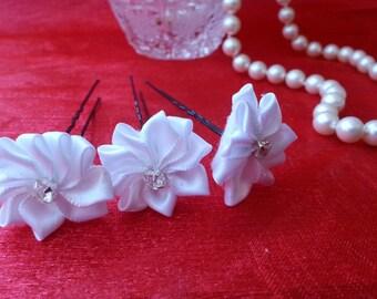 Set of 3 piece. White Flower Hairpins