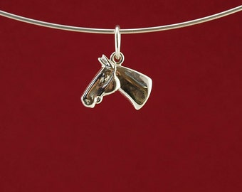 Horse head pendant or charm in 925 sterling silver