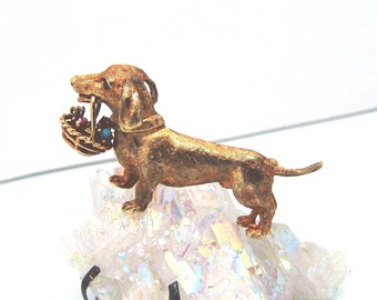 14k solid gold daschund puppy carrying basket of gemstone brooch very detailed excellent condition