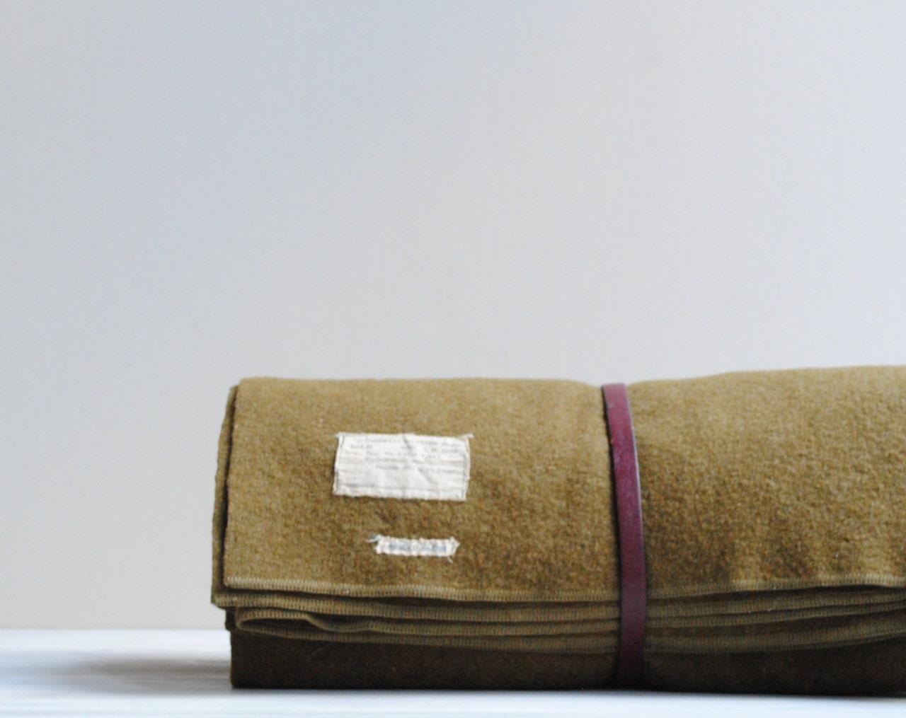 couverture de la seconde guerre mondiale vintage laine arm e. Black Bedroom Furniture Sets. Home Design Ideas