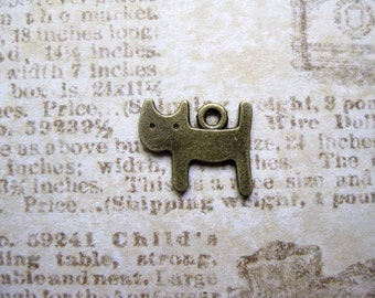 SALE - 10 Small Cat Charms in bronze tone - C2149