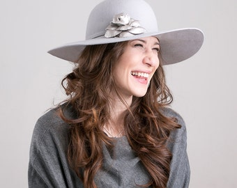 Light grey fur felt floppy hat with leather flower, fall-winter hat