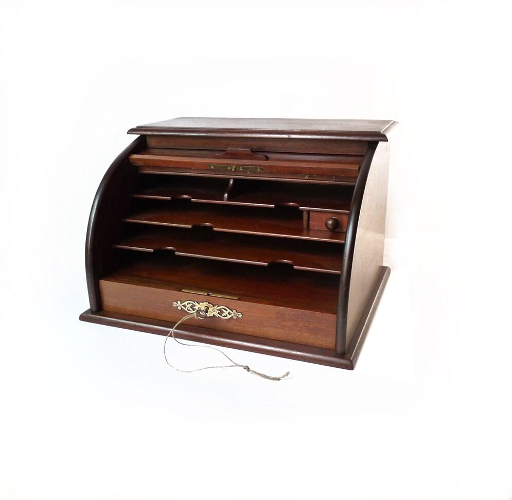 classeur de bureau en bois rideau coulissant et son tiroir. Black Bedroom Furniture Sets. Home Design Ideas
