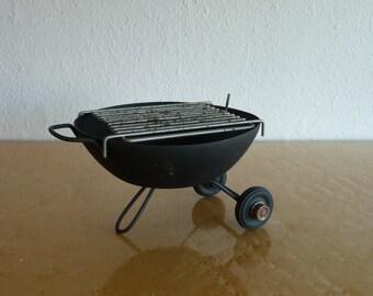 Kitschy BBQ Ashtray Mid Century Modern Novelty Decor Whimsical 50s 60s
