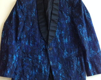 1960'S MOD Tuxedo BATIK Printed Blue Jacket with a Shawl Collar 39 Short