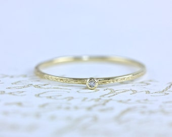 14kt. tiny diamond etched ring, vintage inspired